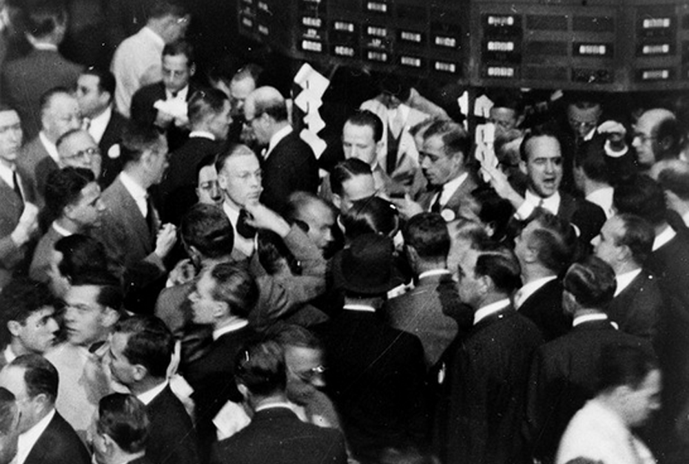 stock-market-floor-buying-frenzy