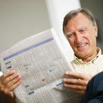 senior-reading-newspaper